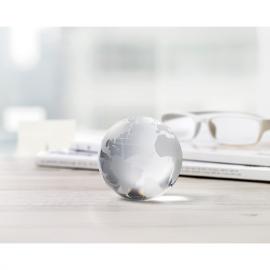 Bola de cristal com desenho do mapa do mundo