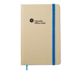 Caderno realizado em material reciclável