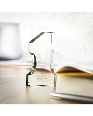 Troféu em forma de número 1 realizado em cristal